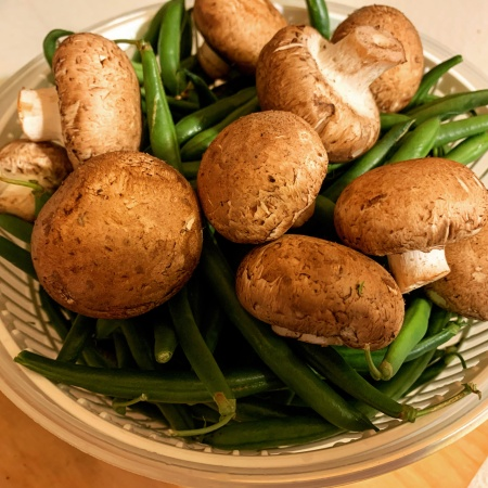 fresh green beans and mushrooms