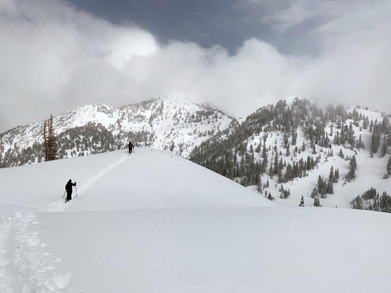 Backcountry skiing in between Big Cottonwood Canyon and Little Cottonwood Canyon, Utah