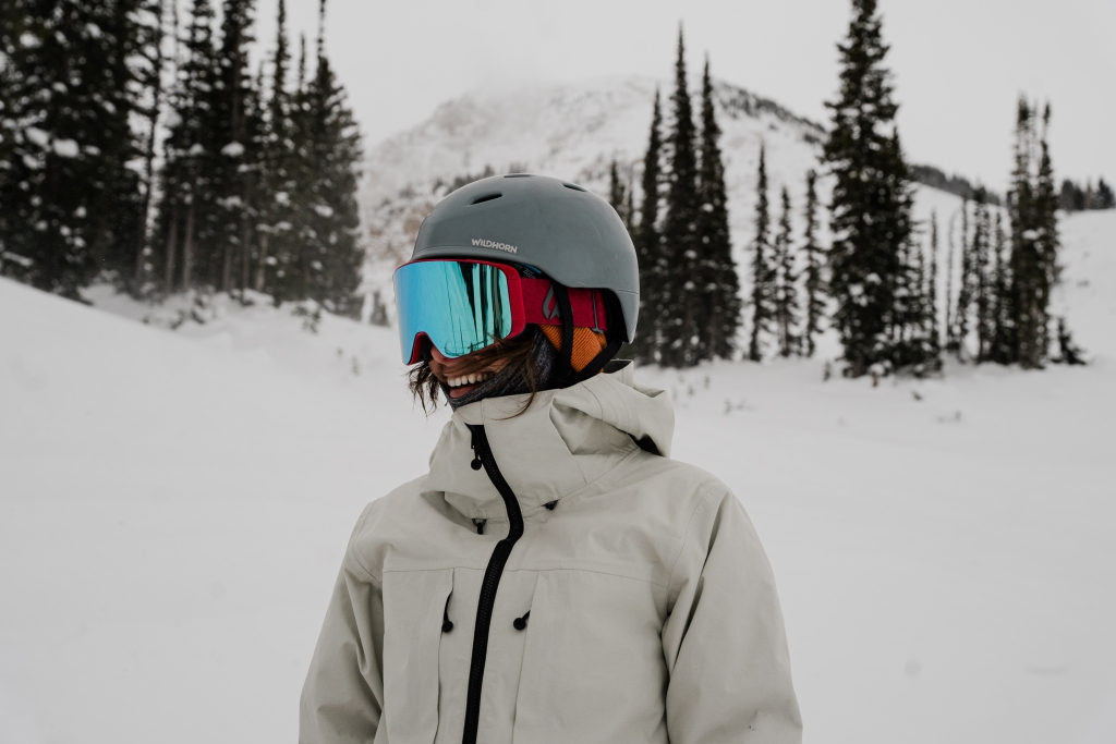 wildhorn outfitters drift helmet and pipeline goggles
